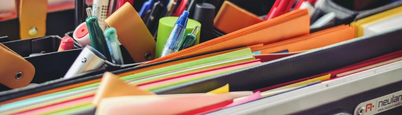 Akten und Stifte